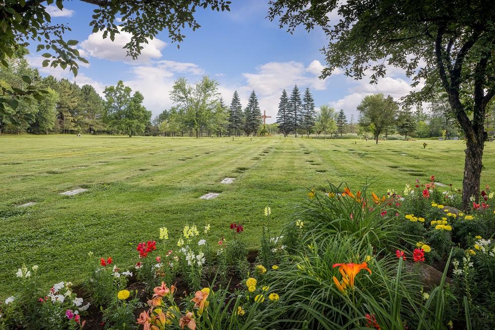 Sunset Memorial Gardens & Cemetery in Thunder Bay, Ontario