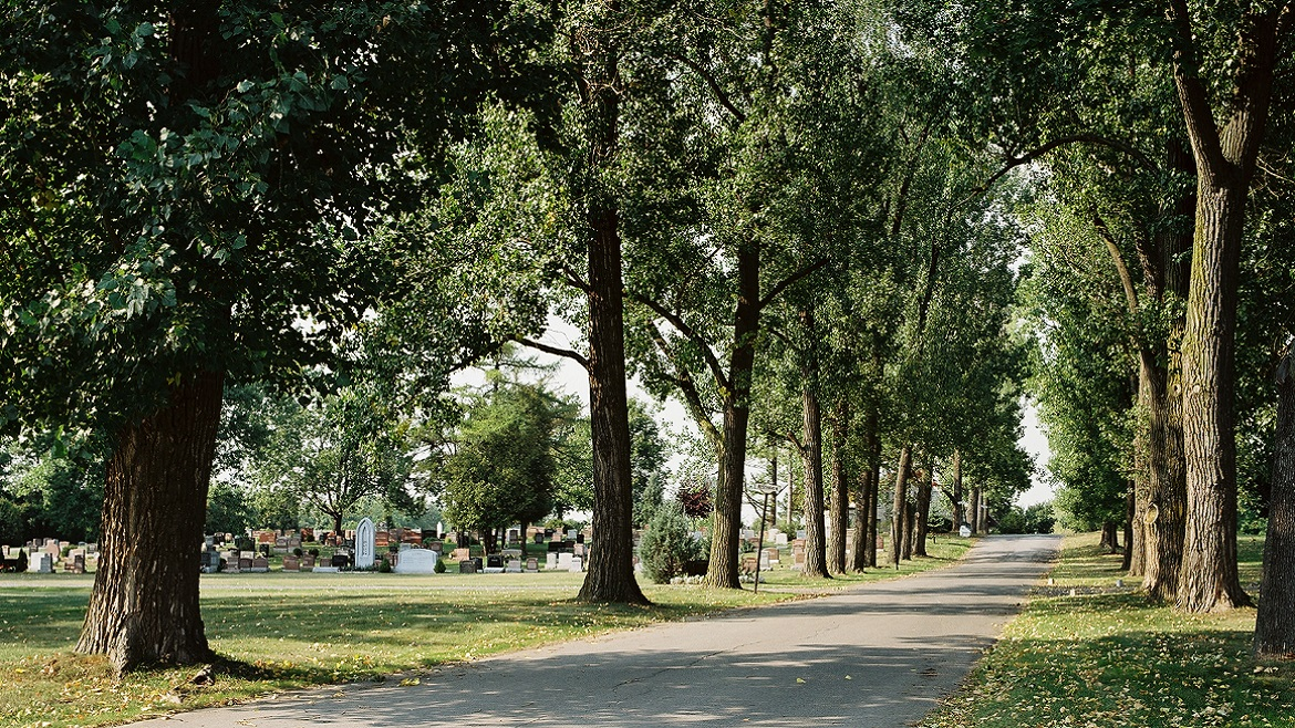 38 acres cemetery serving the Pointe Claire and the West Island of Montreal