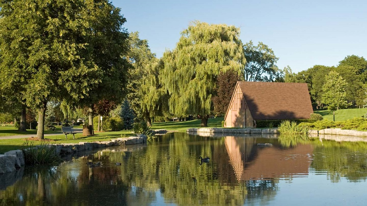 63 acres of manicured gardens, mature trees and a spring-fed pond