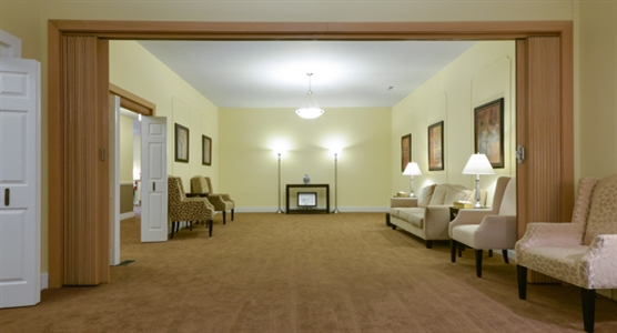 Interior photo of Dodsworth & Brown Funeral Home - Ancaster Chapel